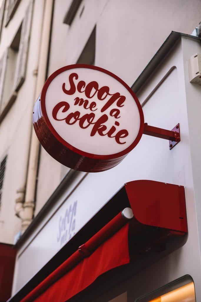 photo panneau extérieur magasin scoop me a cookie glup production