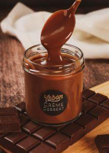 Photo packshot crème dessert yabon chocolat