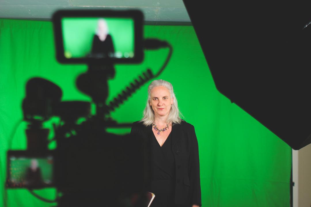 photo femme fond vert casting glup production